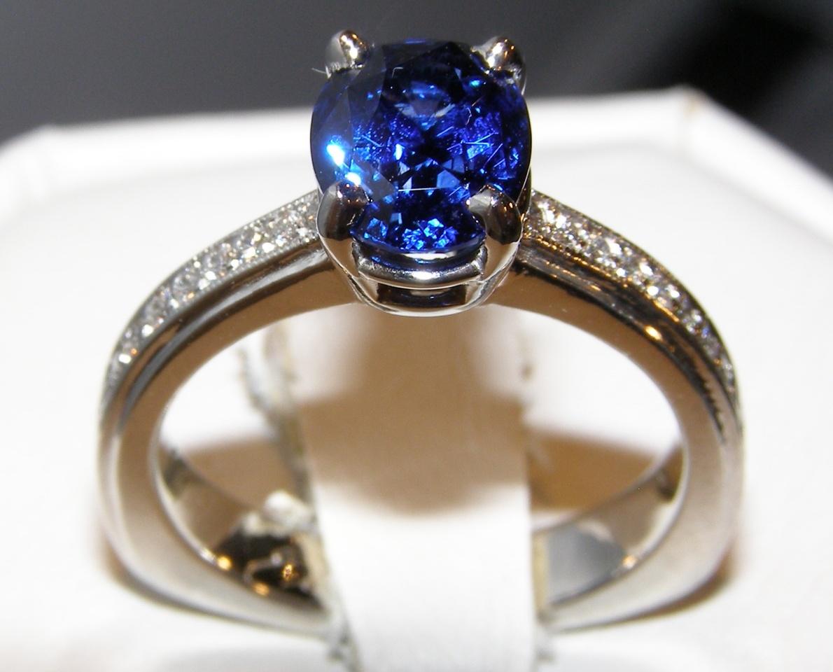 Exquisite Certified Sapphire Pave Diamond Platinum Set 3.59 ctw