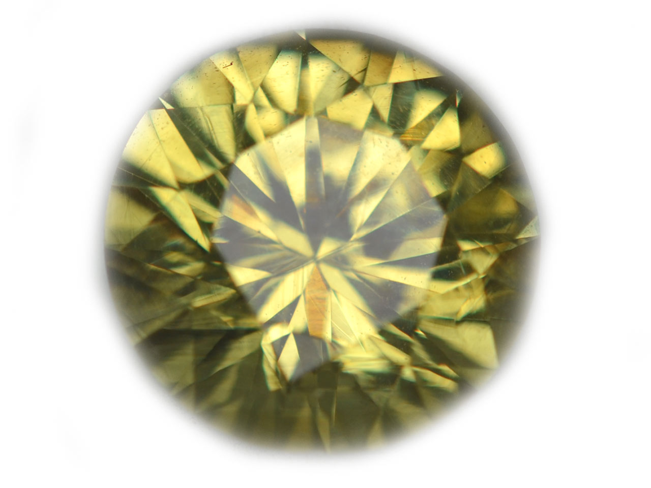 Ceylon Green Round Brilliant Chrysoberyl - 2.83 cts - 8.8x8.8x5.8mm