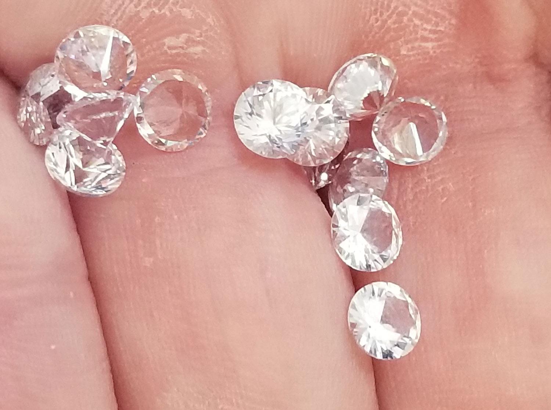 Ceylon White Round Brilliant Sapphire - 4.5mm - 0.40cts