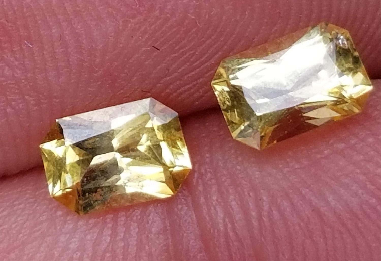 Ceylon emerald cut yellow sapphire pair - 1.62 cts - 6.5x4.5mm